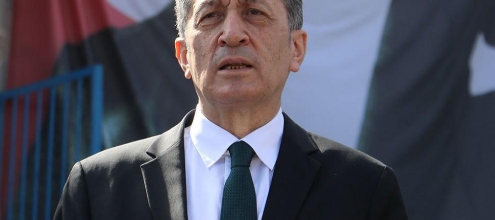 Bakan Selçuk, Başakşehir'deki dev külliyenin açılışını yaptı