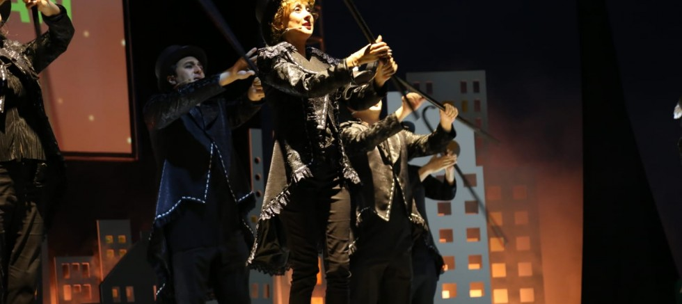 Kocaeli Şehir Tiyatroları'ndan 'Mesafeli Kabare'