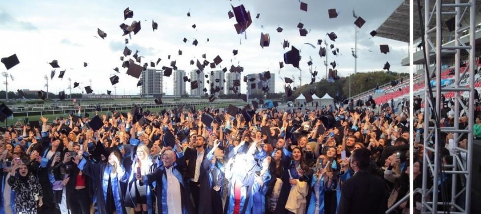 Mezun olan yüzlerce öğrenci yeni hayatlarına uğurlandı