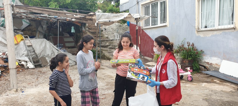 Okul Destek Projesi'ne evlerden devam