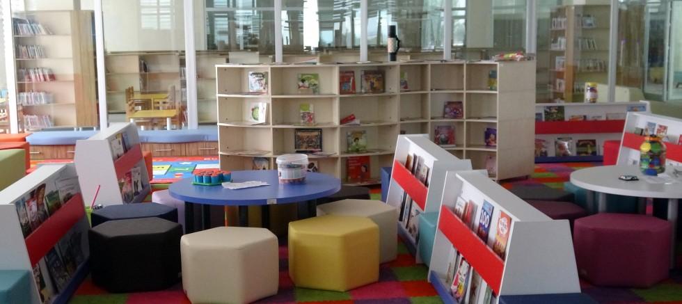 Ülkenin en büyük halk kütüphanesi açıldı